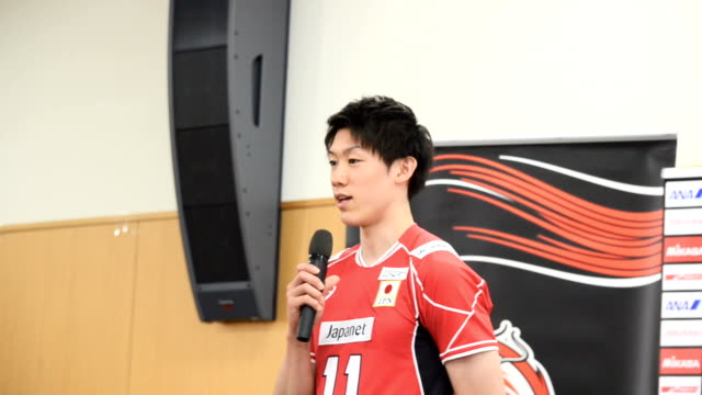yuki ishikawa masahiro yanagida and other members of japan's men's volleyball national team showed off their moves to the press in tokyo on may... - qualification round stock videos & royalty-free footage