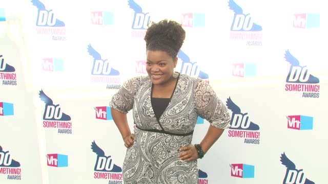 yvette nicole brown at the 2010 vh1 do something awards at hollywood ca. - do something awards stock videos & royalty-free footage
