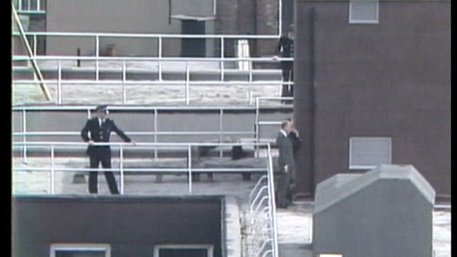 report names shooting suspect april 1984 police officers on roof during libyan embassy siege - belagerung stock-videos und b-roll-filmmaterial