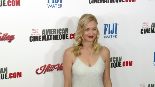 vídeos y material grabado en eventos de stock de yvonne strahovski at the 29th annual american cinematheque award presented to reese witherspoon at the hyatt regency century plaza on october 30 2015... - american cinematheque