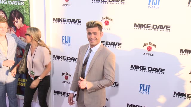 """zac efron at premiere of 20th century fox's """"mike and dave need wedding dates"""" in los angeles, ca 6/29/16 - première stock-videos und b-roll-filmmaterial"""