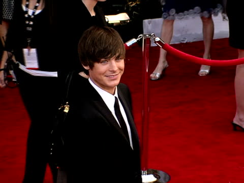 stockvideo's en b-roll-footage met zac efron at the 14th annual screen actors guild awards at los angeles ca - screen actors guild awards