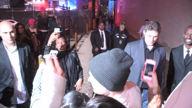 zac efron greets fans in hollywood celebrity sightings in los angeles on january 30th 2014 in los angeles california - avvistamenti vip video stock e b–roll