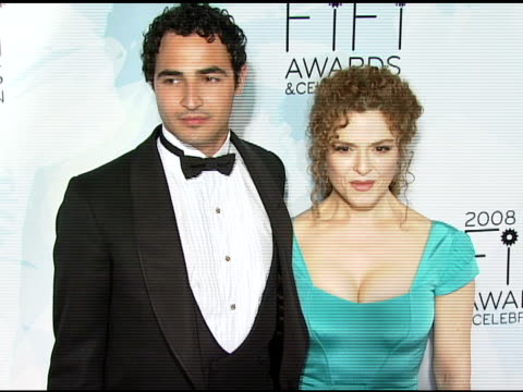 zac posen and bernadette peters at the fragrance foundation presents 36th annual fifi awards and celebration at the park avenue armory in new york... - バーナデット ピータース点の映像素材/bロール