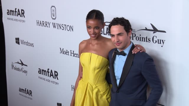 stockvideo's en b-roll-footage met interview zac posen says he supports amfar because the aids epidemic has not ended on supporting naomi campbell at 7th annual amfar inspiration gala... - naomi campbell