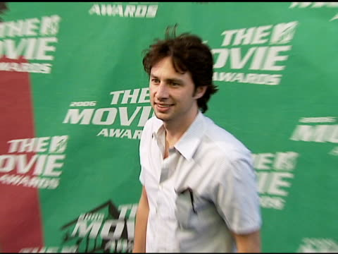 zach braff at the 2006 mtv movie awards red carpet at sony pictures studios in culver city california on june 3 2006 - zach braff stock videos & royalty-free footage