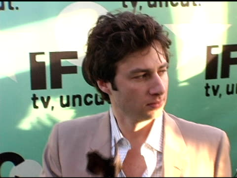 zach braff at the 20th annual independent spirit awards afterparty at santa monica in santa monica california on february 26 2005 - zach braff stock videos & royalty-free footage