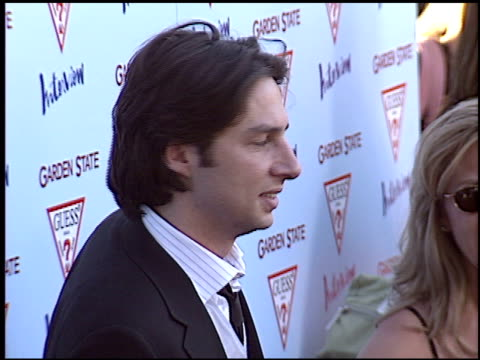 zach braff at the 'garden state' premiere at dga directors guild in los angeles california on july 20 2004 - zach braff stock videos & royalty-free footage