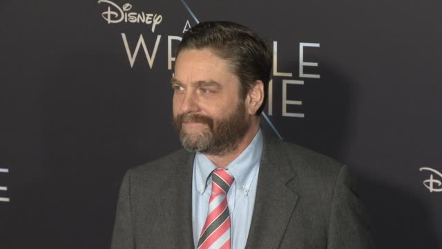 """zach galifianakis at the """"a wrinkle in time"""" world premiere at the el capitan theatre on february 26, 2018 in hollywood, california. - エルキャピタン劇場点の映像素材/bロール"""