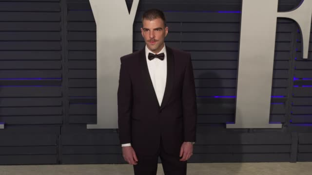 vídeos de stock, filmes e b-roll de zachary quinto at 2019 vanity fair oscar party hosted by radhika jones at wallis annenberg center for the performing arts on february 24 2019 in... - zachary quinto