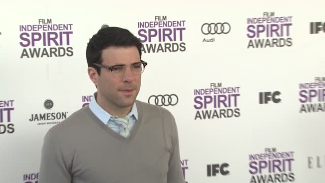 vídeos de stock, filmes e b-roll de zachary quinto at the 2012 film independent spirit awards arrivals on 2/25/12 in santa monica ca united states - zachary quinto