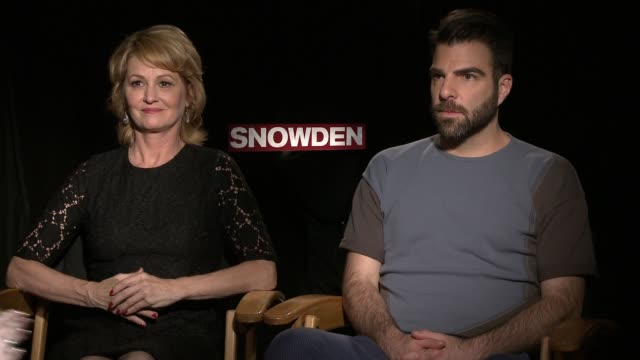 vídeos de stock, filmes e b-roll de interview zachary quinto melissa leo on the real journalists they play in the film whether they got to meet them what they knew about and thought of... - melissa leo