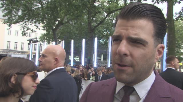 vídeos de stock, filmes e b-roll de interview zachary quinto on his character paying tribute to leonard nimoy at 'star trek beyond' uk film premiere on july 12 2016 in london united... - zachary quinto