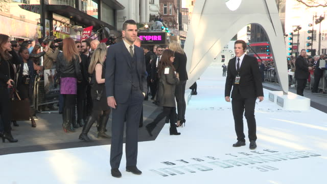vídeos de stock, filmes e b-roll de zachary quinto on the fans referenceing the old movies and his characters relationships at the star trek into darkness uk premiere 2nd of may 2013 - zachary quinto