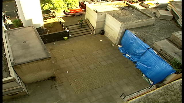 stockvideo's en b-roll-footage met four youths convicted tx peckham w footage of blue plastic sheeting at murder scene - peckham