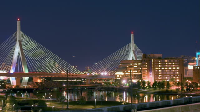 ws, zo, t/l, zakim bunker hill bridge, boston, massachusetts, usa  - ザキム・バンカーヒル橋点の映像素材/bロール