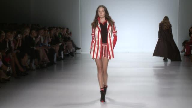 zang toi - runway - spring 2015 mercedes-benz fashion week at the salon at lincoln center on september 09, 2014 in new york city. - イベントまとめ動画点の映像素材/bロール
