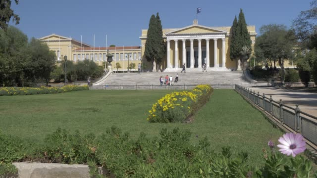 vídeos y material grabado en eventos de stock de zappeion, stately hall built for the first modern olympic games in national garden, athens, greece, europe - lugar famoso nacional