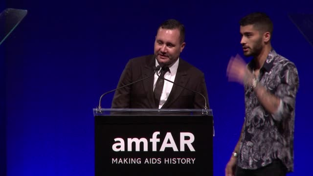 SPEECH Zayn Malik presents award to Kim Jones at 7th Annual amfAR Inspiration Gala New York at Skylight at Moynihan Station on June 09 2016 in New...