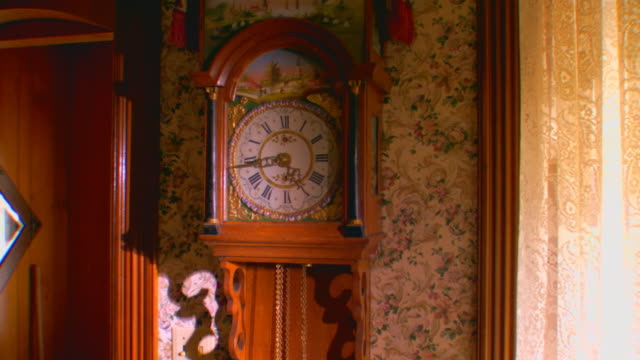 zeeland, michiganantique wall clock - antique stock videos & royalty-free footage