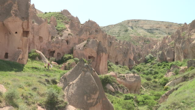 zelve, cappadocia, turkey - cliff dwelling stock videos & royalty-free footage
