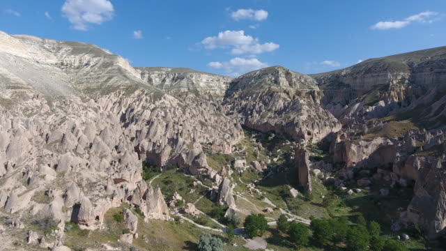 vidéos et rushes de zelve, cappadoce - vallée