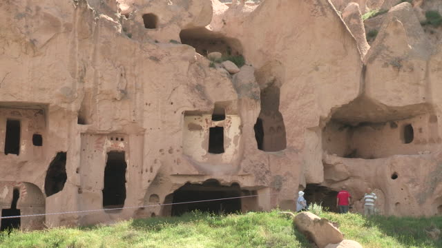 zelve exterior, cappadocia, turkey - cliff dwelling stock videos & royalty-free footage