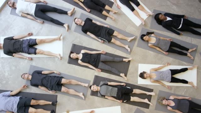 vídeos y material grabado en eventos de stock de restaurante zen - centro de yoga