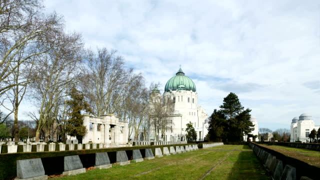 zentralfriedhof vienna-time lapse - cimitero video stock e b–roll