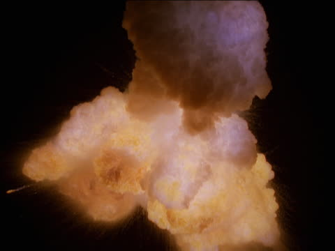 vídeos de stock, filmes e b-roll de zero gravity smoke-filled explosion - zero gravity