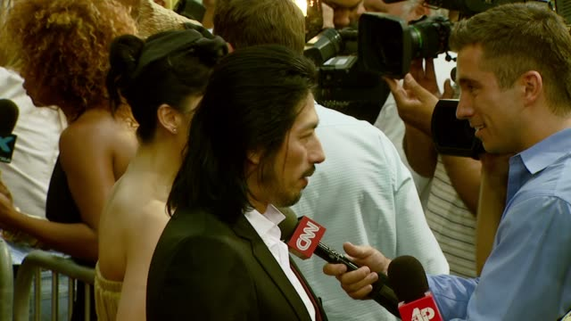 vidéos et rushes de zhang jing chu and hiroyuki sanada at the 'rush hour 3' los angeles premiere at grauman's chinese theatre in hollywood, california on july 30, 2007. - rush hour