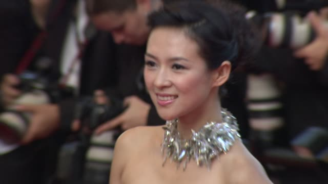 zhang ziyi at the cannes film festival 2009 visage face steps at cannes - 62 ° festival internazionale del cinema di cannes video stock e b–roll