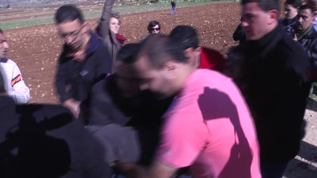 stockvideo's en b-roll-footage met ziad abu ein cabinet member in charge of the settlements file at the palestine liberation organization argues with a israeli soldier during an... - israëlisch palestijns conflict