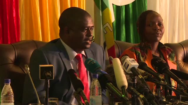 zimbabwe electoral commission says there is significant progress in the presidential vote results collation during a press conference after... - välja bildbanksvideor och videomaterial från bakom kulisserna