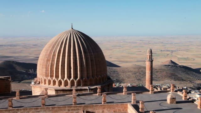 zinciriye madrasah - mardin turkey - circa 14th century stock videos & royalty-free footage