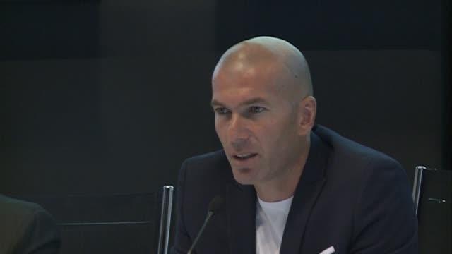 Zinedine Zidane and Mireia Belmonte attend a press conference for the 'XII Edicion del Prix Dialogo a la Amistad HispanoFrancesa' at the Auditorio...