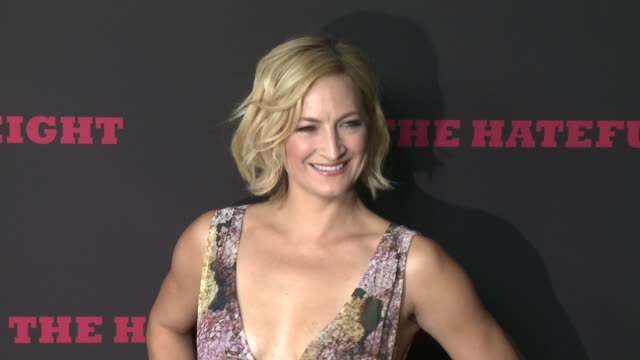 """zoe bell at """"the hateful eight"""" world premiere at arclight cinemas on december 07, 2015 in hollywood, california. - arclight cinemas hollywood stock-videos und b-roll-filmmaterial"""
