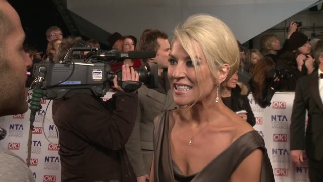 vídeos y material grabado en eventos de stock de zoe lucker on joining eastenders, the cast, glee, strictly come dancing and more at the national television awards at london england. - eastenders