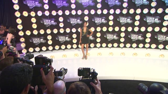 Zoe Saldana at the 2011 MTV Video Music Awards at Los Angeles CA