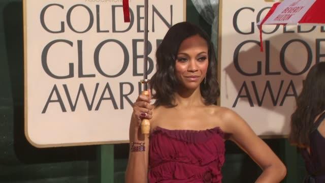 zoe saldana at the 67th annual golden globe awards arrivals part 4 at beverly hills ca - ゴールデングローブ賞点の映像素材/bロール