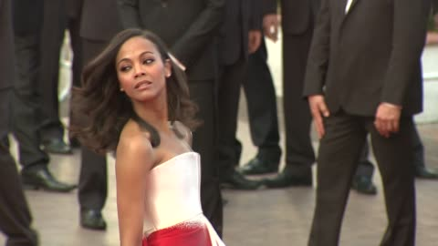 stockvideo's en b-roll-footage met zoe saldana at the the tree of life premiere: 64th cannes film festival at cannes . - internationaal filmfestival van cannes
