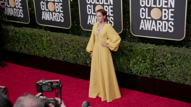 zoey deutch at the 77th annual golden globe awards at the beverly hilton hotel on january 05, 2020 in beverly hills, california. - golden globe awards stock videos & royalty-free footage