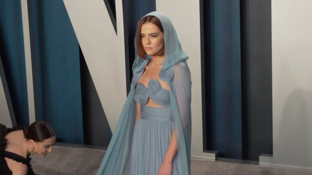 zoey deutch at vanity fair oscar party at wallis annenberg center for the performing arts on february 9 2020 in beverly hills california - vanity fair video stock e b–roll