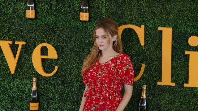Zoey Deutch at Will Rogers State Historic Park on October 15 2016 in Pacific Palisades California