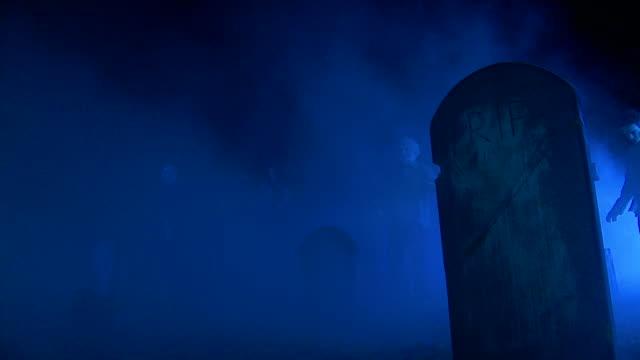 HD DOLLY: Zombie Leichen In der Friedhof