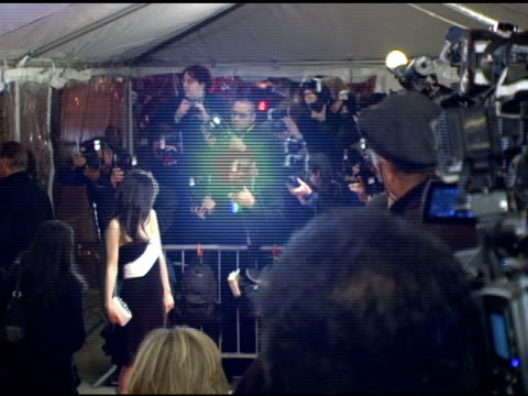 zooey deschanel and press at the 'failure to launch' new york premiere at chelsea west in new york, new york on march 8, 2006. - failure to launch stock videos & royalty-free footage