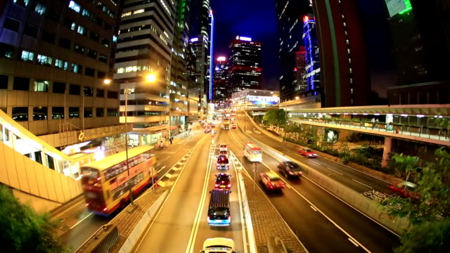 stockvideo's en b-roll-footage met hd zoom film tilt: hong kong skyline cityscape at central - hd format