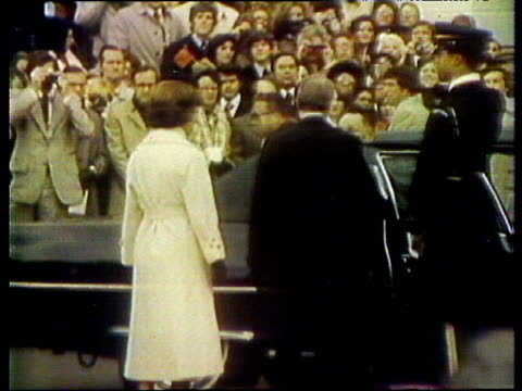 zoom in as deng xiaoping steps out of car and is greeted by president jimmy carter washington dc 30 jan 79 - jimmy carter präsident stock-videos und b-roll-filmmaterial