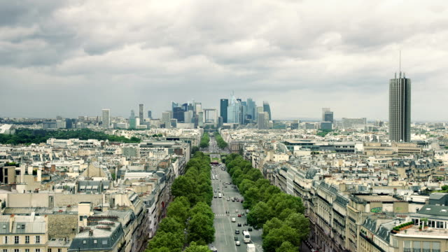 zoom in: la defense paris - avenue des champs elysees stock videos & royalty-free footage