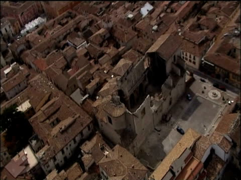 zoom in on destroyed church roof after earthquake hits town of l'aquila italy; 10 april 2009 - damaged stock videos & royalty-free footage